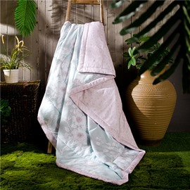 Chic White Flower Print Light Blue Air Conditioner Quilt