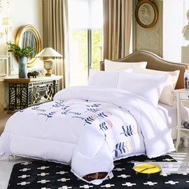 Cartoon Flowers and Leaves Pattern Lacy Solid White Polyester Thick Winter Quilt