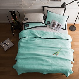 Solid Light Green Simple Style Lightweight Polyester Summer Quilt