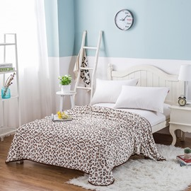 Leopard Spot Pattern Printing Soft Flannel Bed Blanket