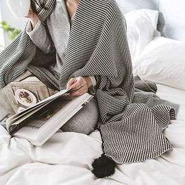 Black Stripe Pattern Cotton Knitting Spring Blanket