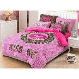 Full Size Sexy Red Lips Design 4-Piece Cotton Bedding Sets/Duvet Cover