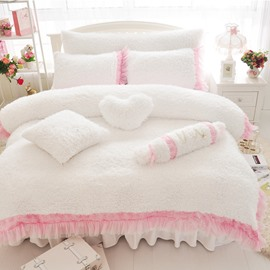 Sweet Rose and Lace Embellishment White 4-Piece Velvet Bedding Sets/Duvet Cover