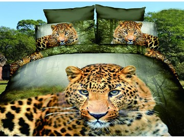 Leopard Crouching in Forest Design Polyester 4-Piece Duvet Cover Sets
