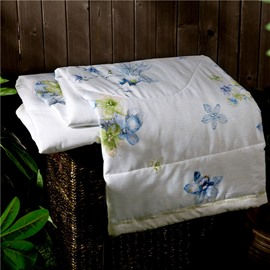 Chic Design Blue Floret Print White Air Conditioner Quilt