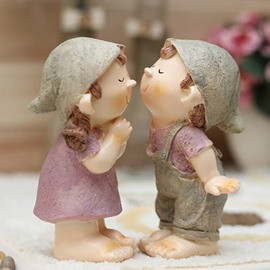 Creative Romantic Kissing Dolls Resin Desktop Decoration