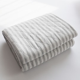 Simple Stripe Design Super Soft Cotton Quilt