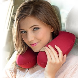 New Solid U Type Design All Surrounded Neck Luxury 1-Piece Headrest Pillow