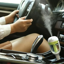 Car Air Humidifier And Freshener With Built In Essence Oil Diffuser
