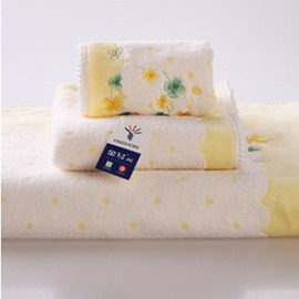 Concise Style Little Flower White Bath Towel Set