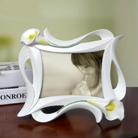 Tulip Style Retangular White Photo Frame with Carvings