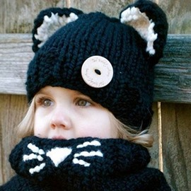 Lovely and Softy Knitted Cat Design Kids Hat and Scarf