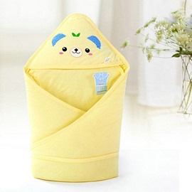 Adorable Light Yellow Bear Print Baby Blanket