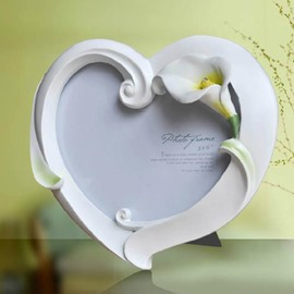 Tulip Style Heart Shape White Photo Frame