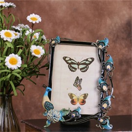 Retro and Pastoral Style Zinc Alloy with Blue Peacocks Table Decoration Photo Frame
