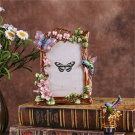 Retro and Pastoral Style European Zinc Alloy with Beautiful Flowers Table Decoration Photo Frame