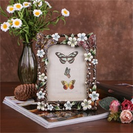 Pastoral Style European Metal Black Frame with Elegant White Flowers Photo Frame