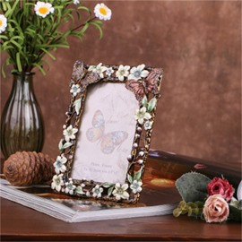 Retro and Pastoral Style European Metal Black Frame with Elegant White Flowers Photo Frame