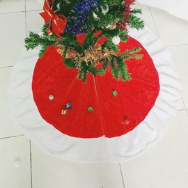 Classic Red White and White Plush Christmas Tree Skirt