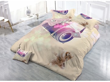 Kitten Take A Photo  4-Piece High Density Satin Drill Duvet Cover Sets
