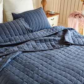 Polyester Material Three-Piece Set Grid Pattern Bedding Sets Colorfast Wear-resistant Endurable Skin-friendly All-Season Ultra-soft Microfiber No-fading  Available in Three Colour and Two Sizes
