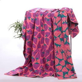 Creative Strawberries Printing Cotton Towel Blanket