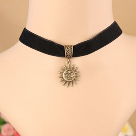 Women's Vintage Sun God Pendant Choker Necklace