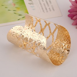 Women' s Fashon Golden Alloy Cuff Bracelet