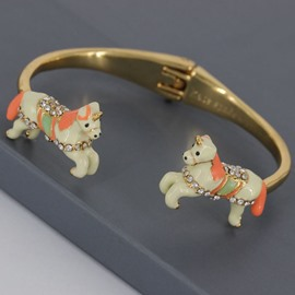 Creative Horse Design Enamel Glaze Women Bangle