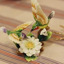 Vivid Ceramic Hummingbird Desktop Decoration Painted Pottery