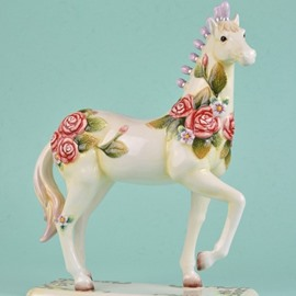 White Ceramic Roses Pattern Horse Desktop Decoration Painted Pottery
