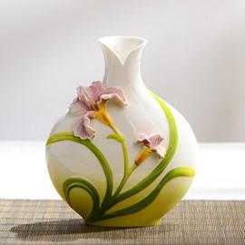 Elegant Ceramic Lily Pattern Flower Vase Painted Pottery