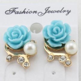 Lovely Flower Design Pearl Inlaid Earrings