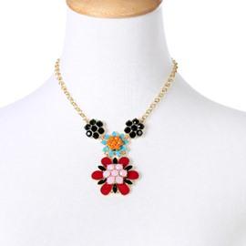 Women' s Vogue Crystal Flower Pendant Alloy Necklace