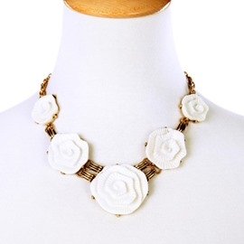 Women' s Fashion Resin Floral Alloy Statement Necklace
