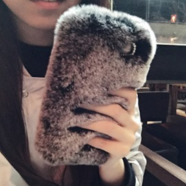 Luxury Winter Soft Rabbit Fur Protective Back Cover for Apple Phone